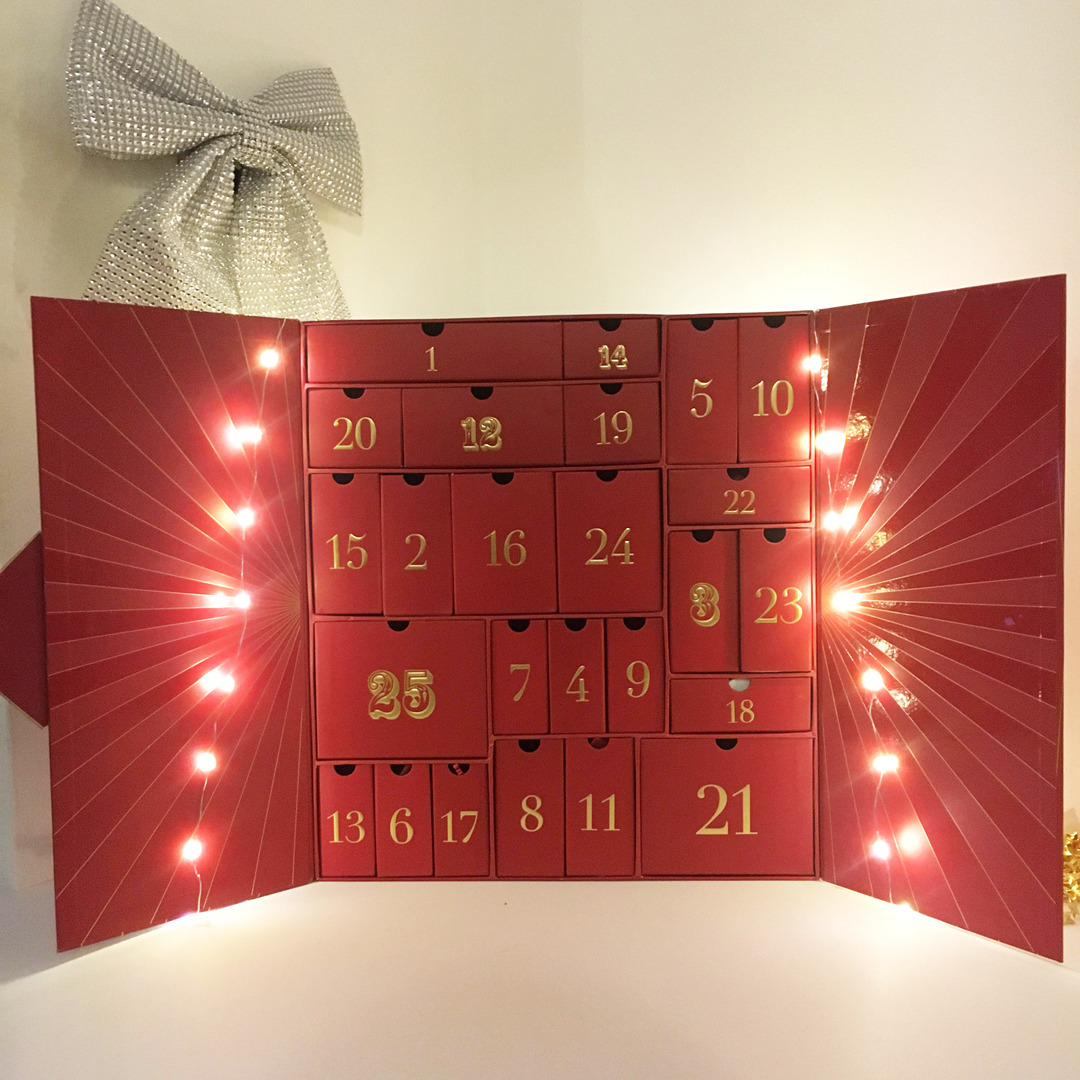 Look Fantastic Advent Calendar 2018 - Miss Boux