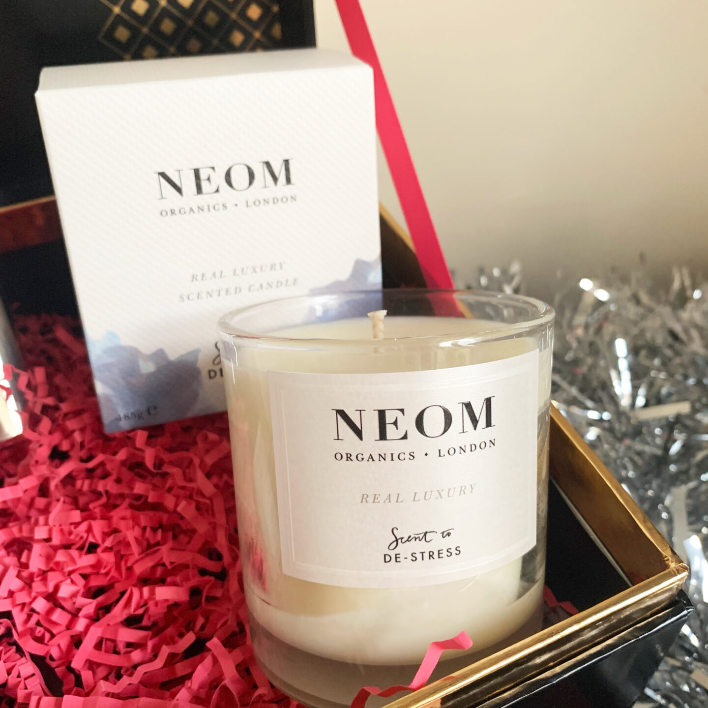 Neom Organics Luxury Standard Scented Candle  - Look Fantastic Beauty Chest 2020 - Miss Boux